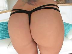 Courtney Cummz peels off her thong and gets her ass gaped open