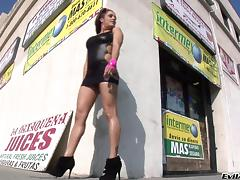 Francesca Le Receives A Hot Bukkake In A Hardcore Porn Gangbang