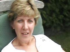 UK Sara, fun in the garden
