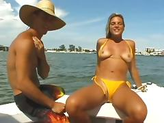 Every good bikini babe should suck dick on a boat like this girl