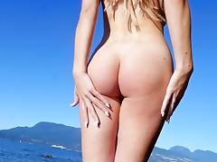 Dazzling outdoor nude scenes with blonde Heidi Michel