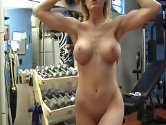 Flex boobs