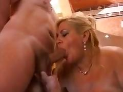 Bbw in the jacuzzi suite getting freaky! !