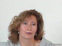 Mature slut in stockings use big dildo part3