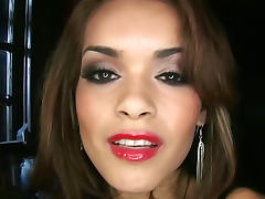 Sexy and astounding Daisy Marie with astonishing behind