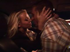 Getting a Taste of Spectacular and Lustful Blonde MILF Carolyn Reese