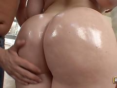 Hugely Breasted Big Assed Brunette Daphne Rosen's Awesome Cock Ride