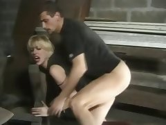 Kim brutalise anal